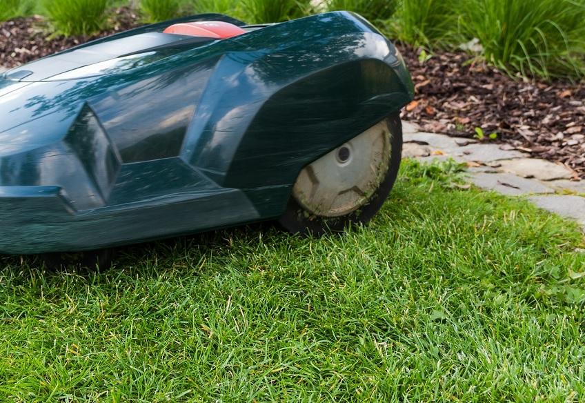 Weniger Arbeit beim Rasenmähen dank Mähkanten