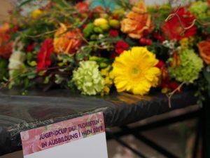 Blumen binden Gesteck Kranz DIY