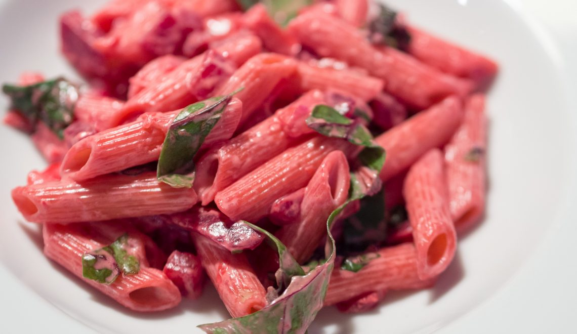 Rote Bete Nudeln Frischkäse Gemüsegarten Rezept gesund Penne